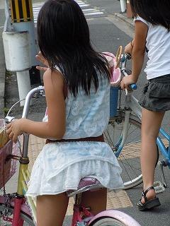 小学生 パンチラ 街撮り